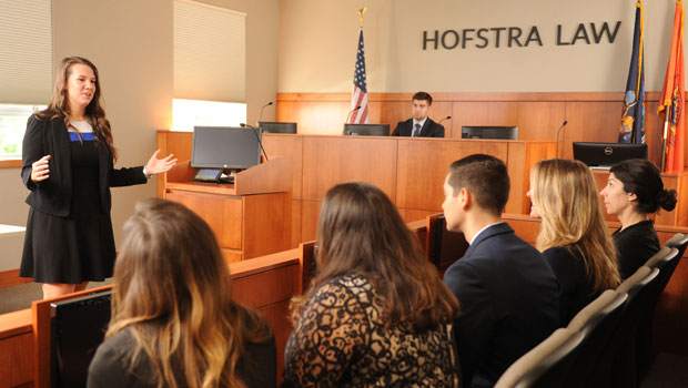 hofstra-law-courtroom-with-students-lawnews